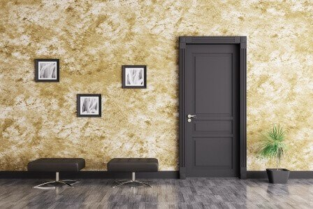 Черна врата за нашия дом